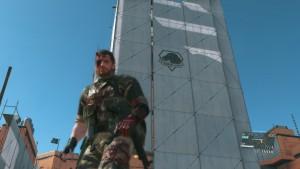 新マザーベース。まだまだ建築途中。今後兵士をフルトン回収して大きくしていくみたいです